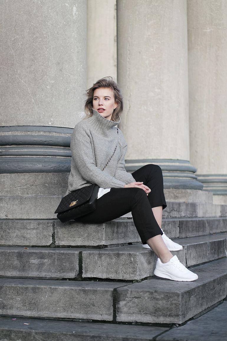 red reiding hood: fashion blogger indossando scarpe nike tanjun bianco