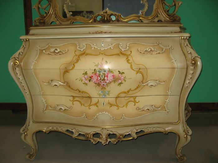Complete Bedroom Suite Lacquered In Venetian Rococo Style Period 1950s 1960s Decoration Shabby Chic Meuble Baroque Chambre A Coucher Complete