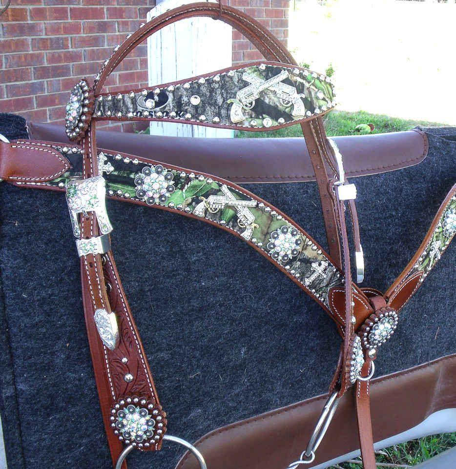 bling breast collars western rhinestone belts bling on a budget equine pinterest. Black Bedroom Furniture Sets. Home Design Ideas