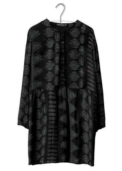 925d3e5a8ed E-shop Robe Ample Cila Imprimée Noir Antik Batik pour femme sur Place des  tendances Groupe Printemps. Retrouvez toute la collection Antik Batik pour  femme.