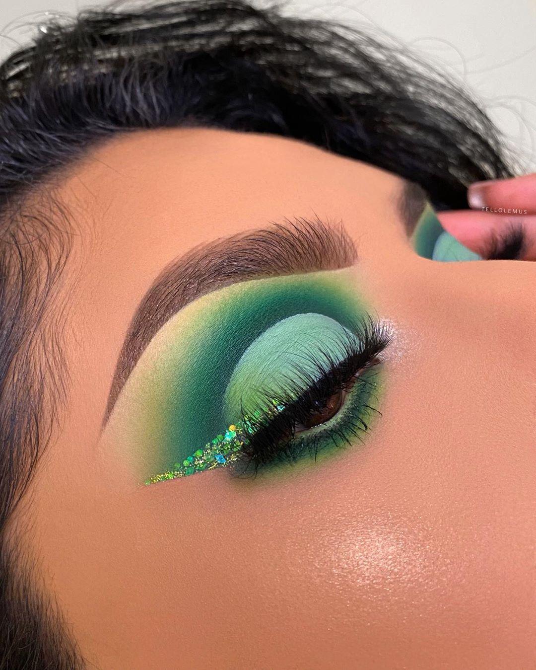 """Zertifizierte Makeup Artist auf Instagram """"🍋VERDE LIMÓN"""