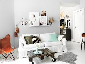 The Design Chaser: Wood Pallet | DIY Furniture