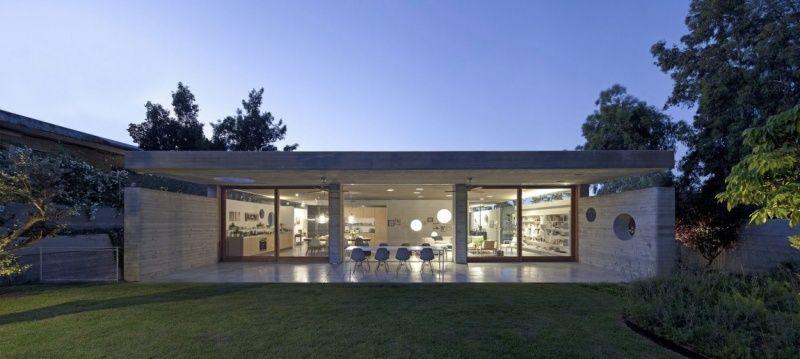 ebenerdiges Wohnzimmer mit Terrasse und Garten Architecture - architekt wohnzimmer