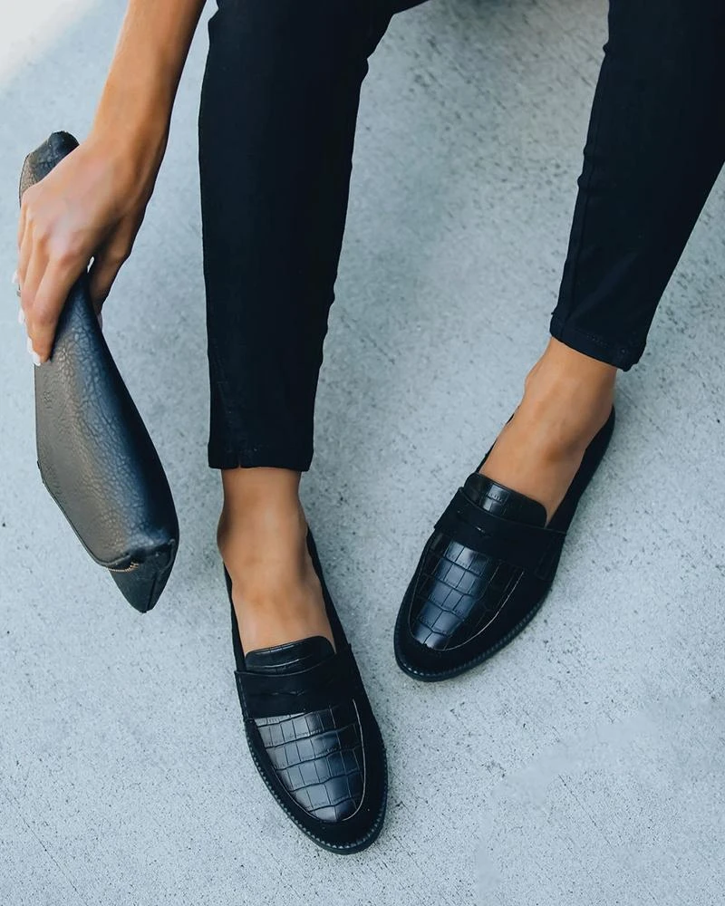 Solid Round Toe Leather Flat Loafer in