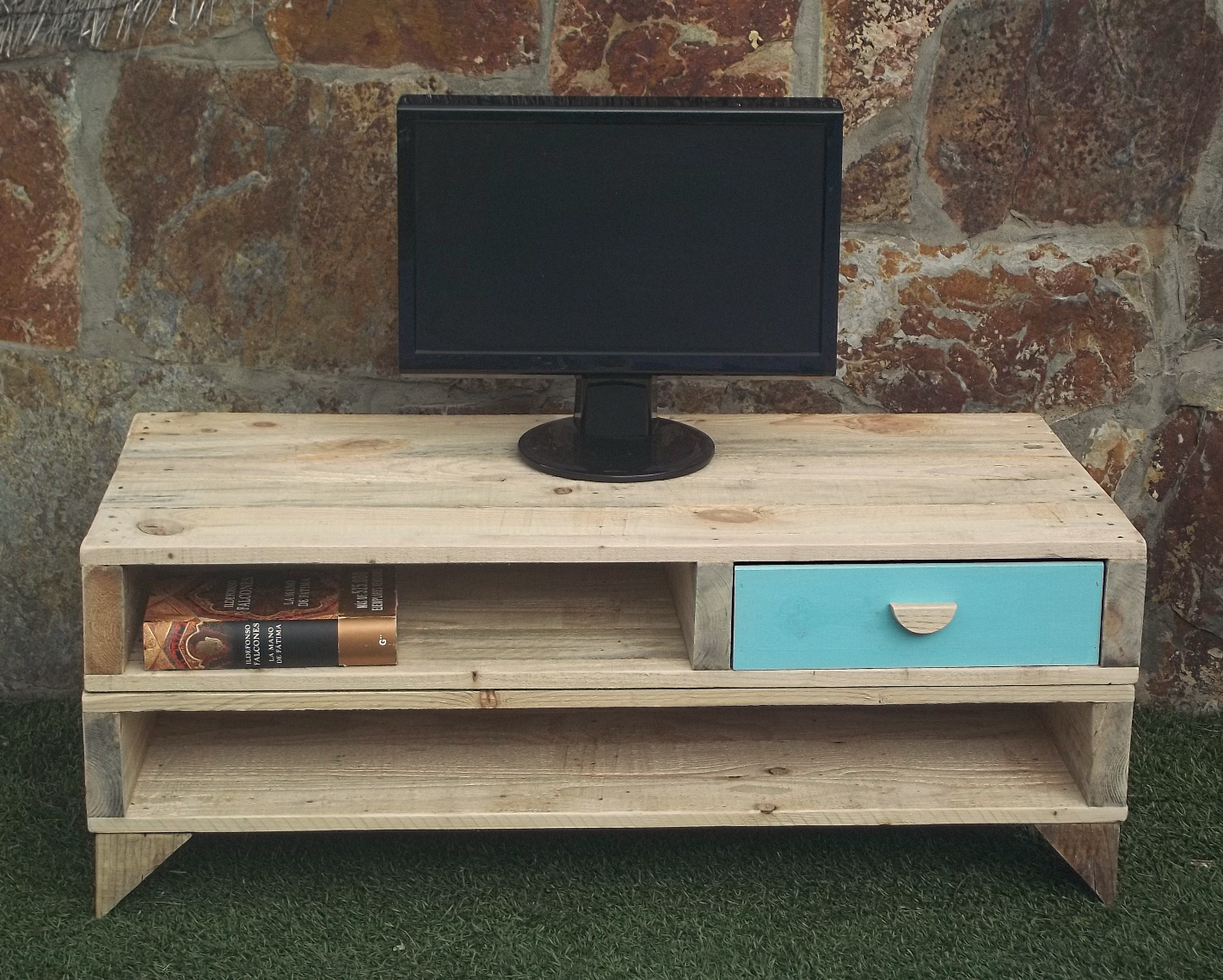 Mueble TV hecho con palets \