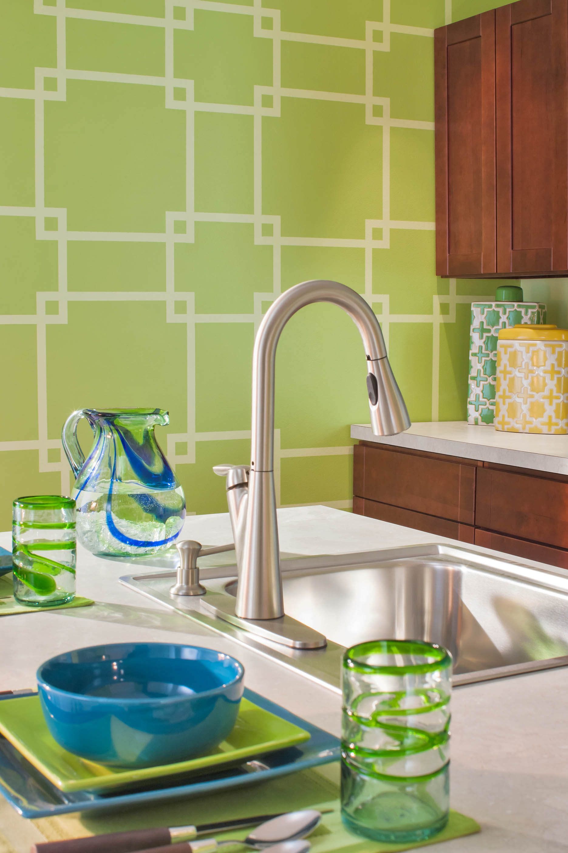 Geometric patterns look great in most colors. | Bold Graphic Walls ...