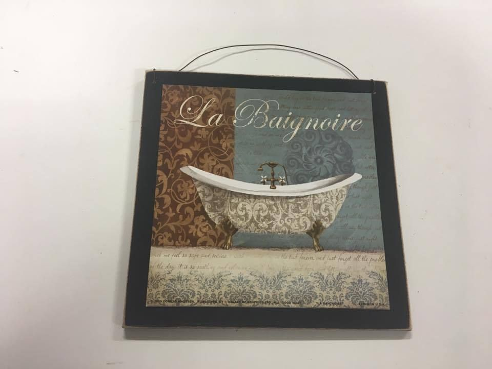 La Baignoire Spa French Bathroom Decorations Bath Powder Room Decor