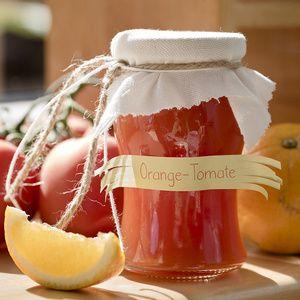 Tomaten in Stücke schneiden, mit der aufgeschlitzten Vanilleschote weich kochen. Durch ein Sieb streichen. Von dem Saft 700 ml abmessen, mit...
