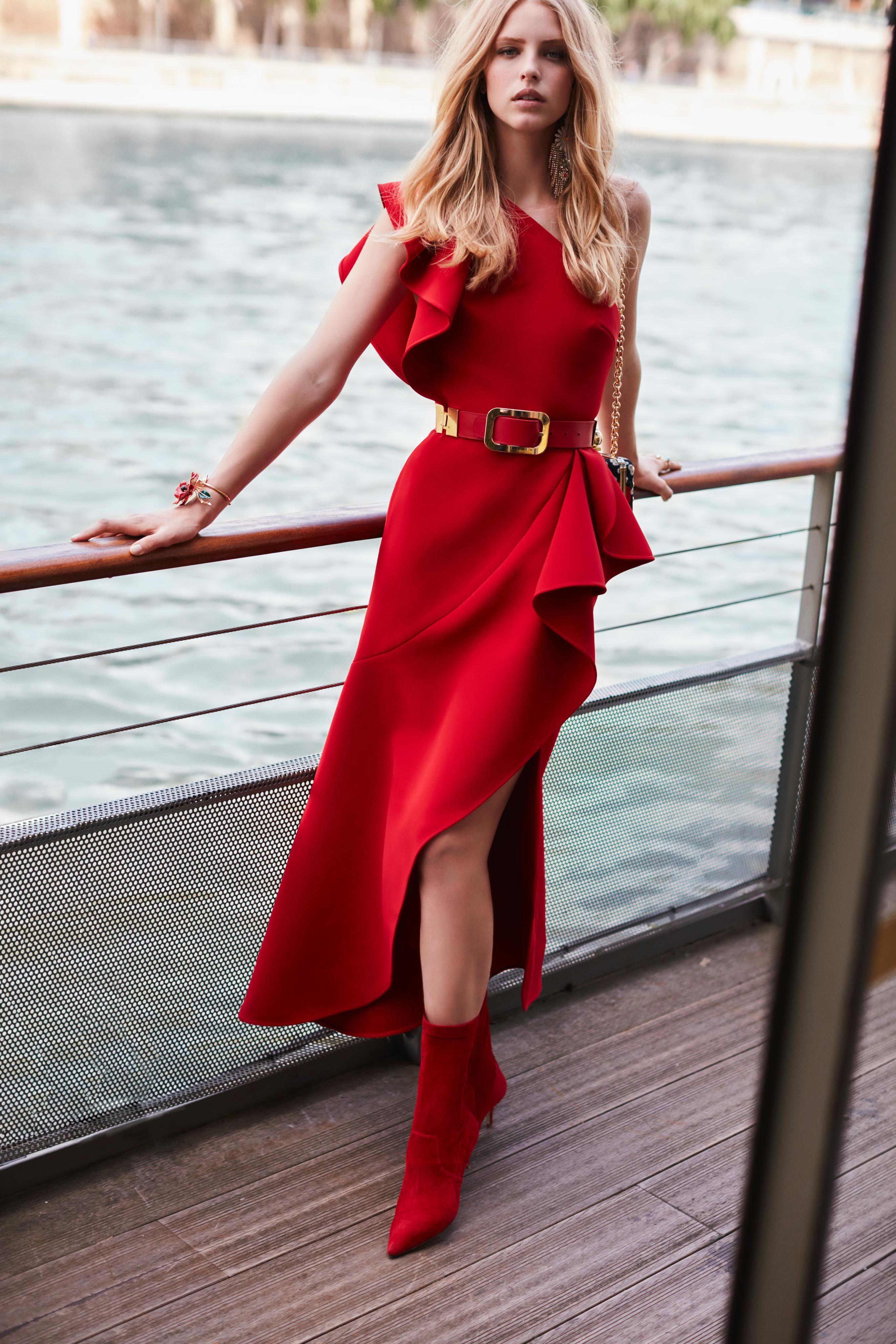 Lace off shoulder wedding dress august 2019 Elie Saab Resort  Fashion Show  Vêtements et accessoires