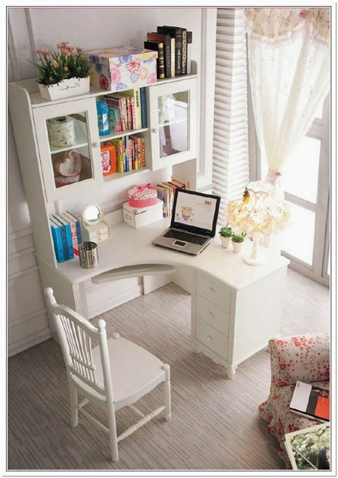 15 Fantastic Small Bedroom Desk Designs For Small Bedroom Ideas In 2020 With Images Small Bedroom Desk Desks For Small Spaces Small Corner Desk