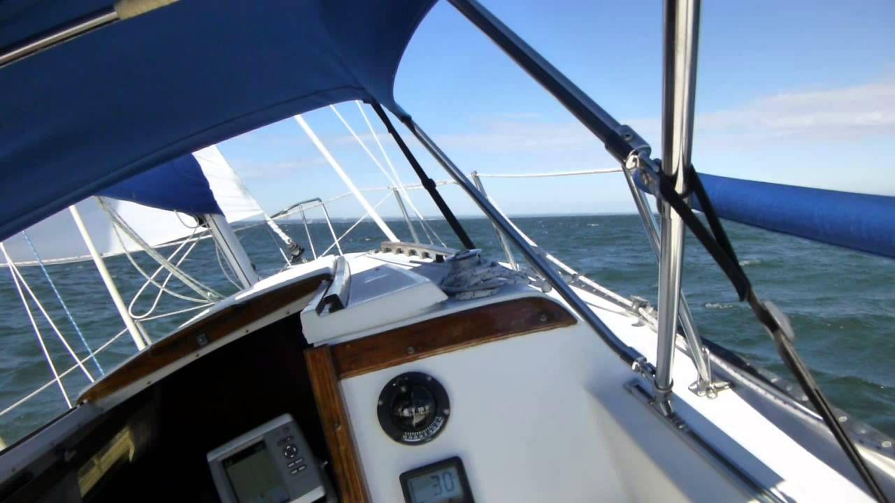 Catalina 25 Sailing In Strong Winds Catalina Pop Top Sailing