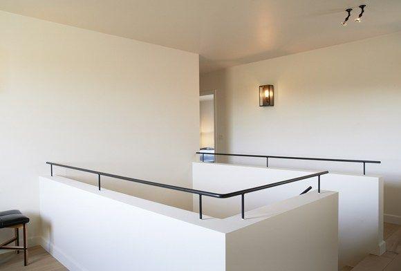 Zwarte Stalen Trapleuning : Zwarte stalen trapleuning is mooi in combinatie met witte
