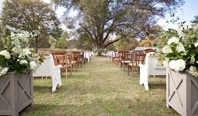 Vinewood Plantation Is A Rustic Wedding Venue In Newnan Georgia Has