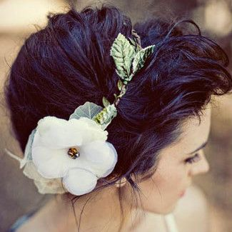 Bohemian Hairstyle... If only my hair was gonna be long enough by August...