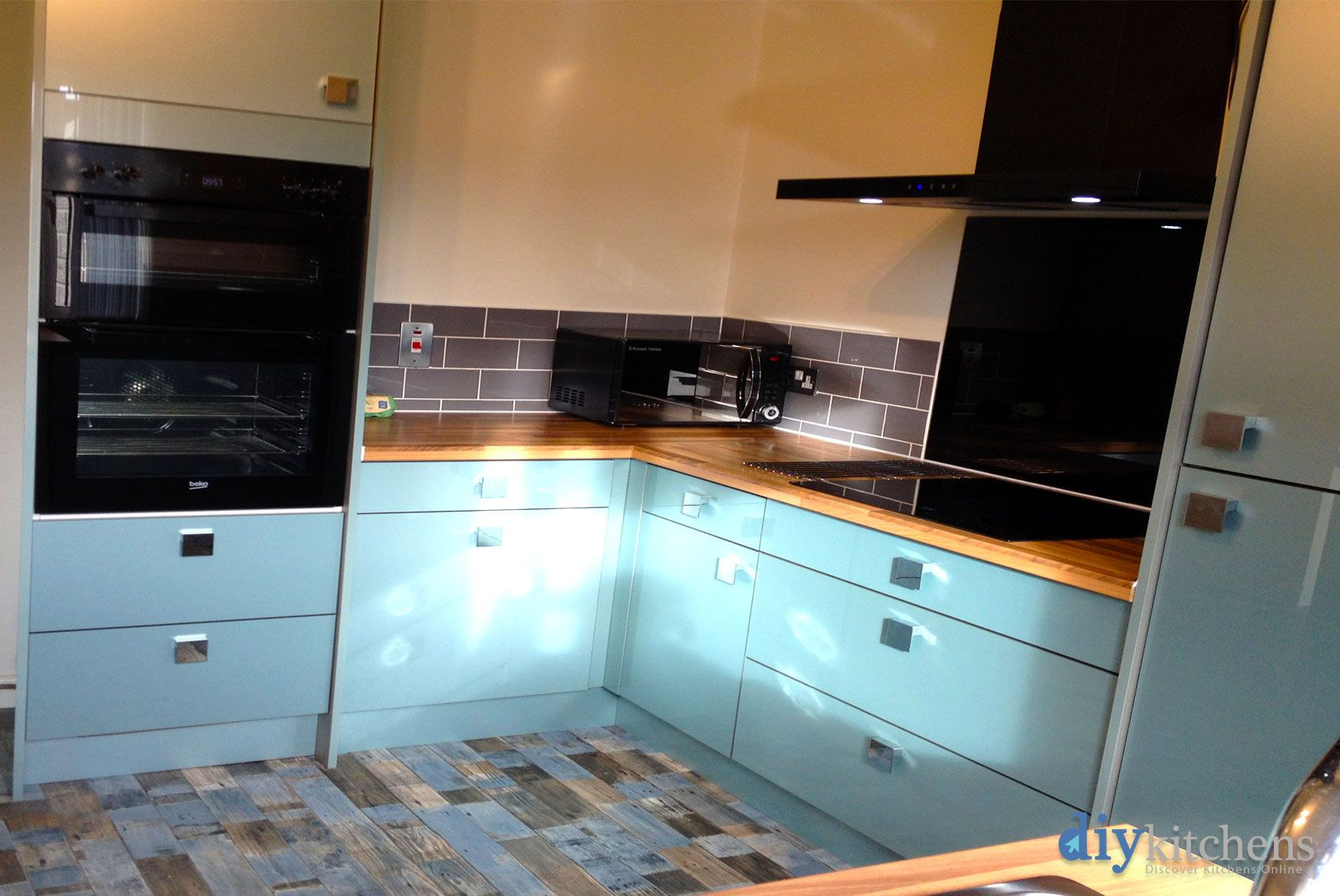 An Innova Altino Petrol Blue High Gloss Kitchen | Real Customer ...