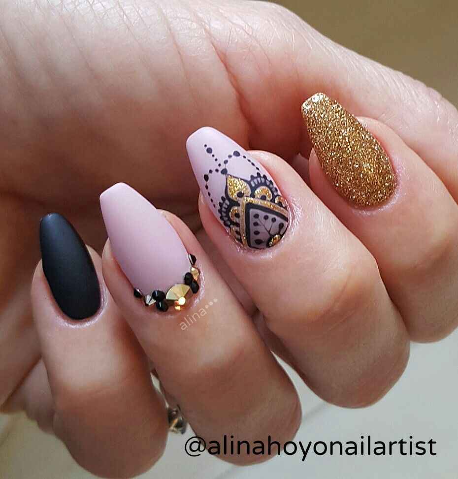 Love Nail Art: LOVE That Middle Finger
