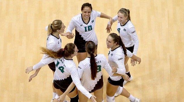 No 8 Women S Volleyball Closes Regular Season At Cal Poly Ucsb Women Volleyball Rainbow Warrior University Of Hawaii