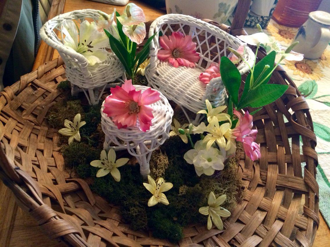 Peaceful Setting Basket