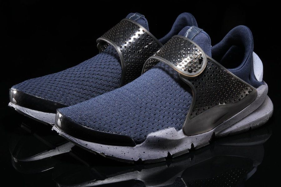 This Nike Sock Dart Comes Covered In Obsidian And Black Nike Sock Dart Sock Dart Nike