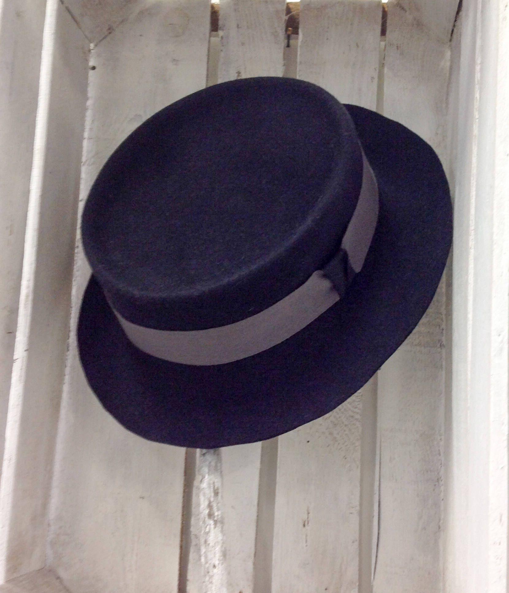 Boater Valentine s gift man Canotier felt hat Jazz hat medium brim Fedora  fashion young men Gift 1f03586c377e