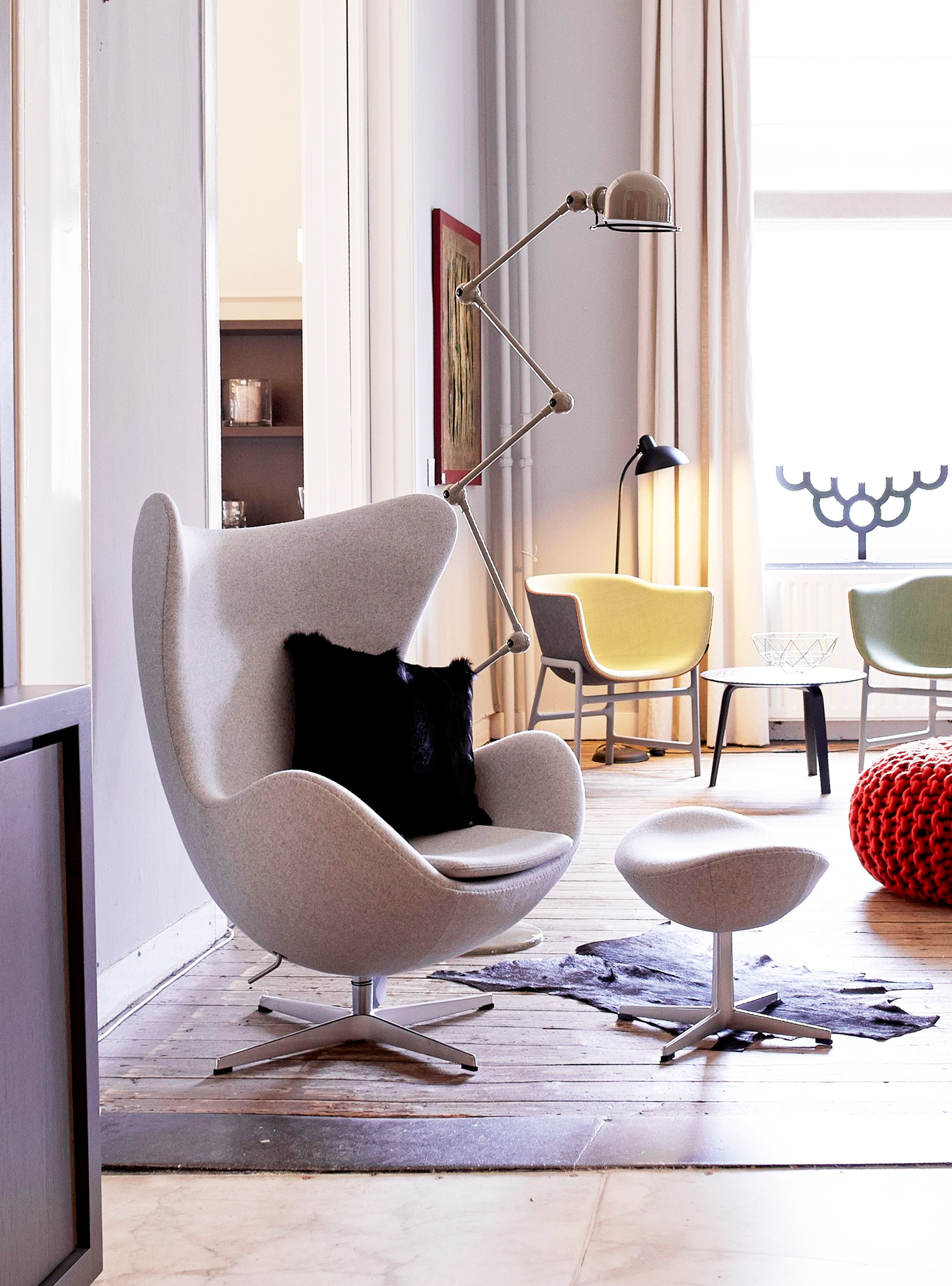 Poltrona Egg Jacobsen.Poltrona Egg 間取り In 2019 Egg Chair Armchair Stool