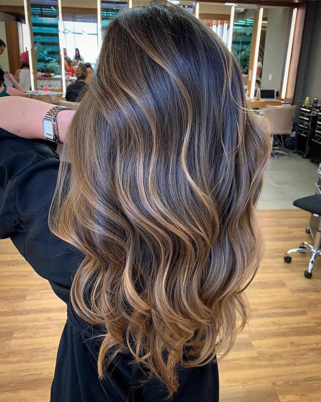 30 Balayage Hair Ideas For Long And Short Hair 2019 Balayagehair Balayagehaircut Balayagehairstyle Blondeh In 2020 Hair Styles Balayage Hair Short Hair Balayage