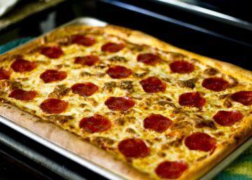 Photo of Copycat Pizza Hut Pan Pizza Recipe – Food.com
