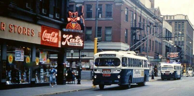 2 Curbliners along 7th & Locust 1960. Note Katz Drug Store ...