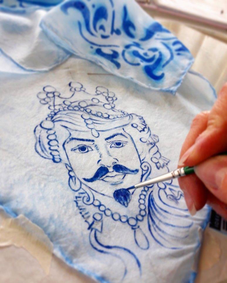 Fazzoletto Da Collo Dipinto A Mano Con Testa Di Moro Blu Disegni Di Teste Disegni A Mano Dipinti