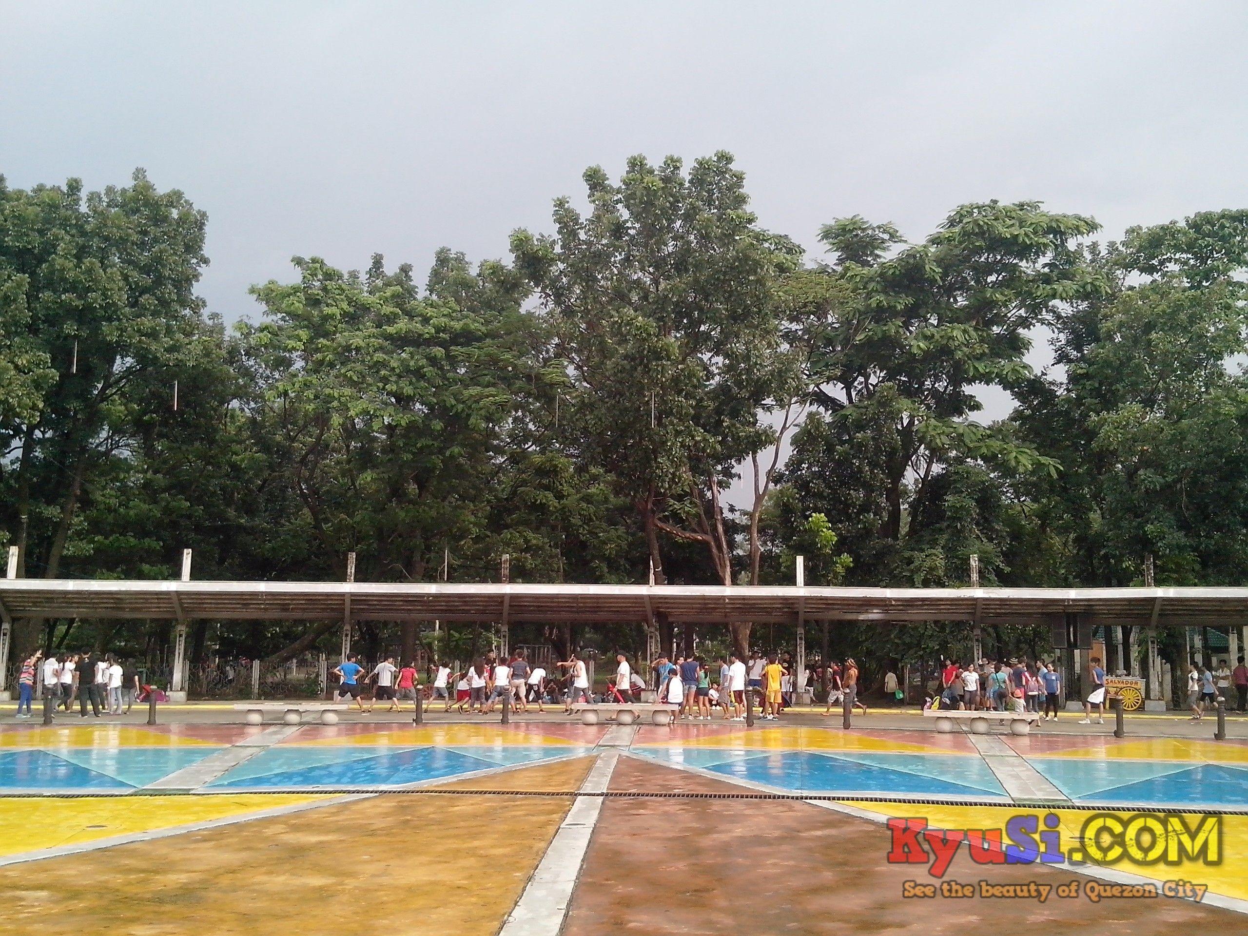 QC Memorial Circle Liwasang Aurora Photo 4