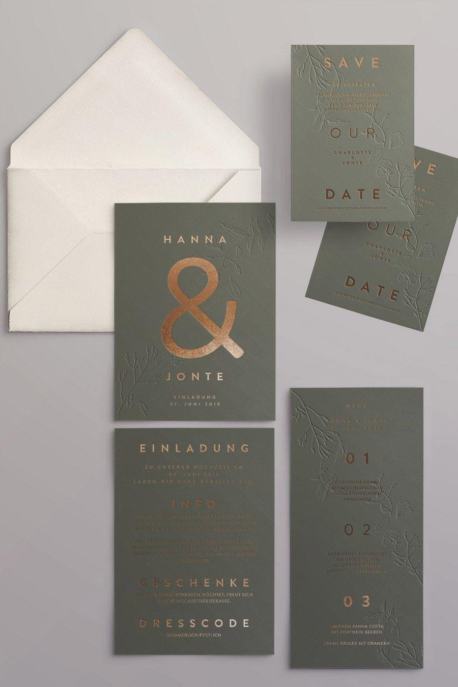 Moderne Hochzeitseinladungen auf Acryl und Papier in Grün