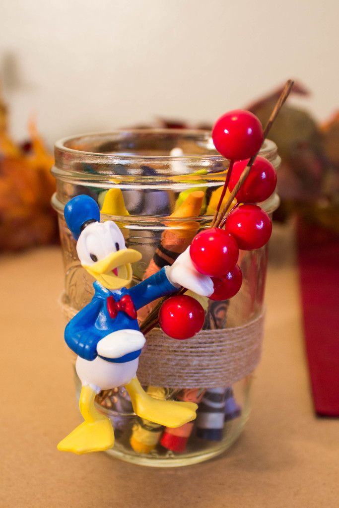 DIY Disney decor for your Thanksgiving kids table! Easy to make! Spread some Mickey magic this holiday with some festive Disney decorations that you make yourself!