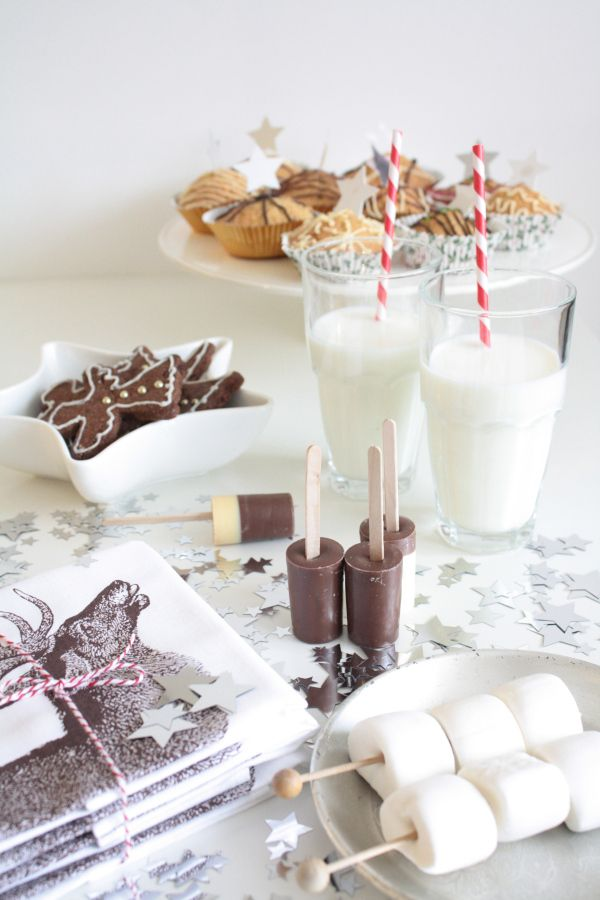 30s Magazine christmas sweet table