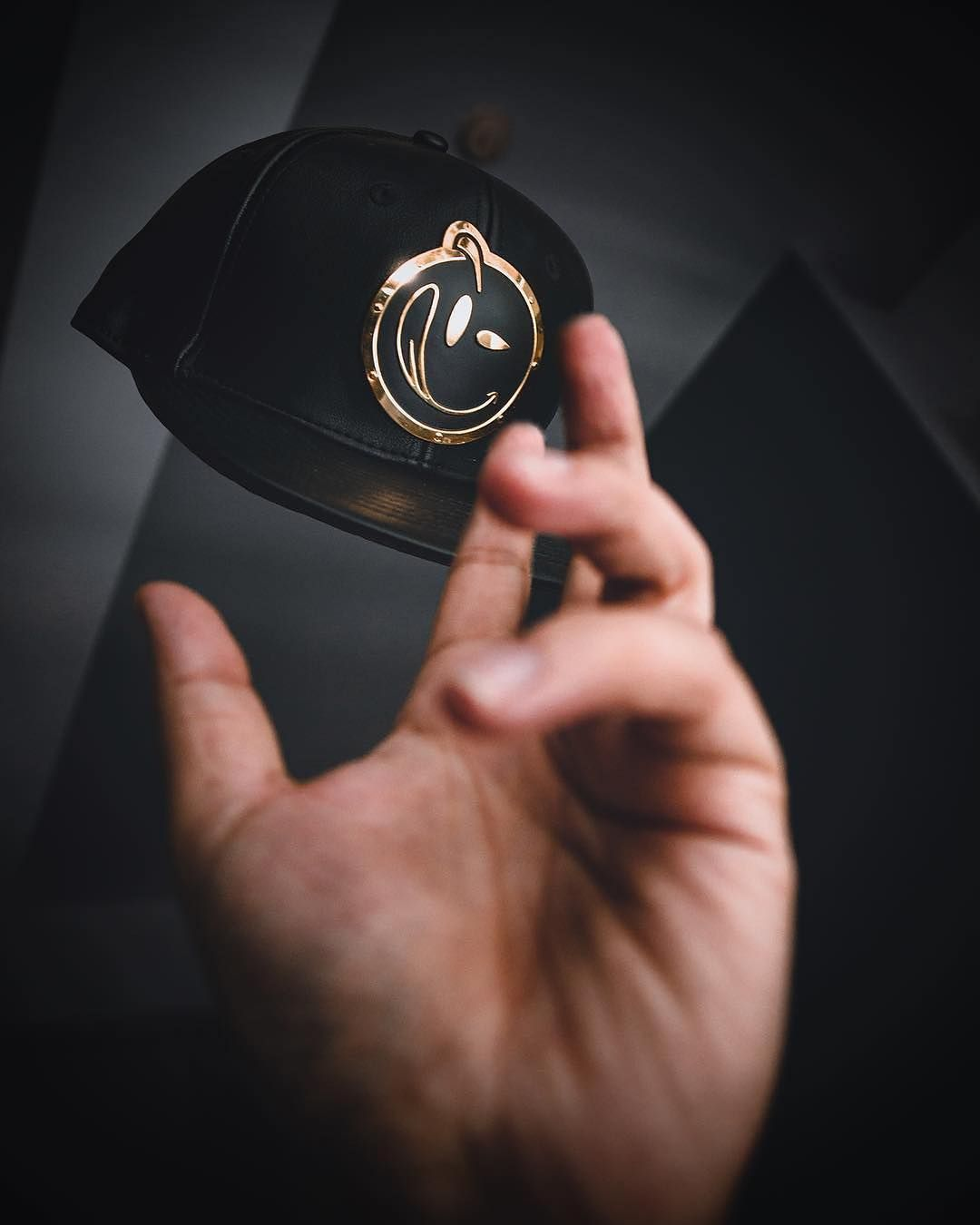 Throw Your Cap In The Air Like You Just Don T Care Metallic Blackandgold Gold Snapback Hat Fashion Style Streetwear Hats Headwear Baseball Hats