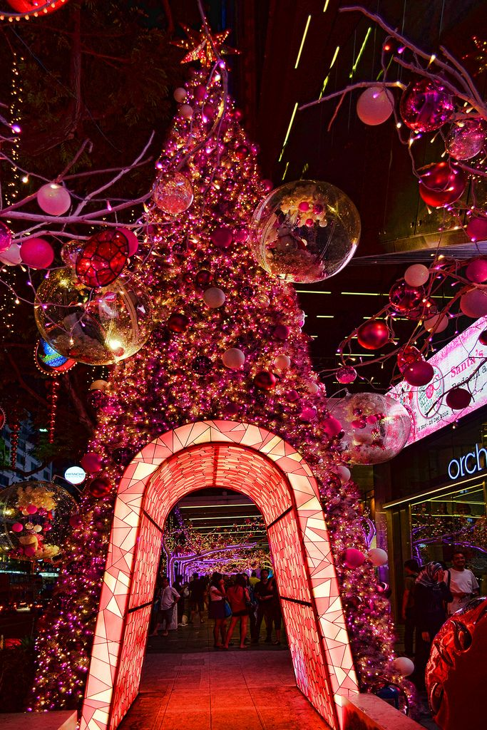 Pink Christmas Tree At Orchard Central Singapore Pink Christmas Tree Pink Christmas Christmas