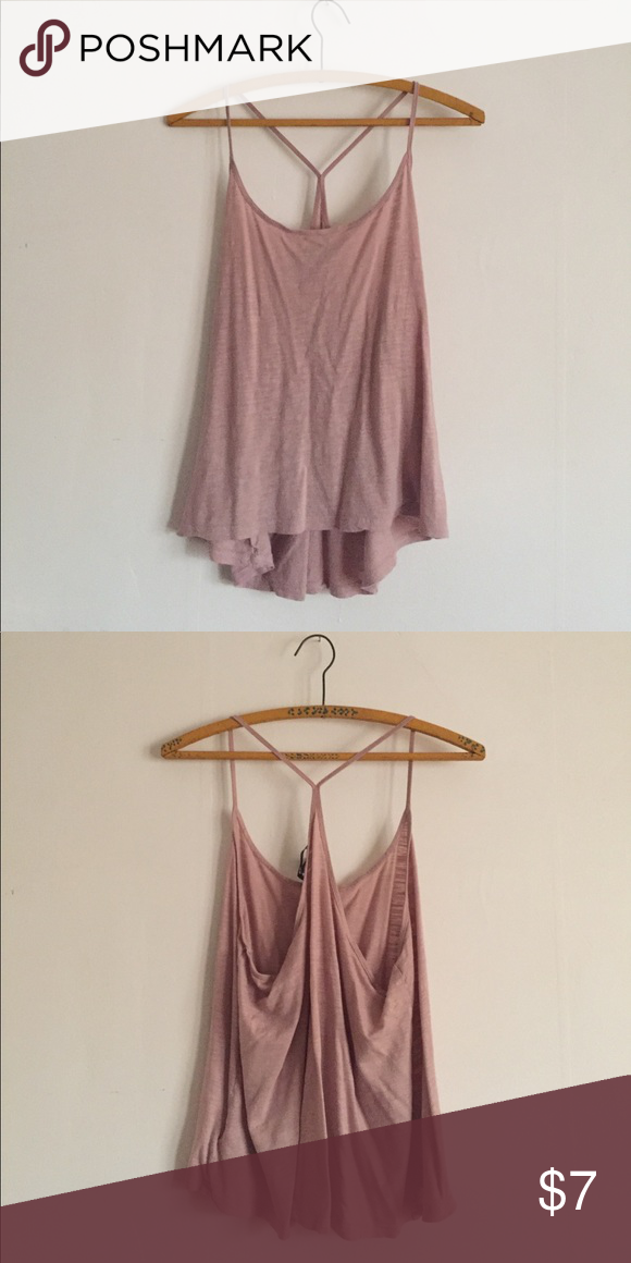 h&m basic tank Great condition, very comfortable top. Blush color. Flat measurements: 19 inch bust, 23 inch length. H&M Tops Tank Tops