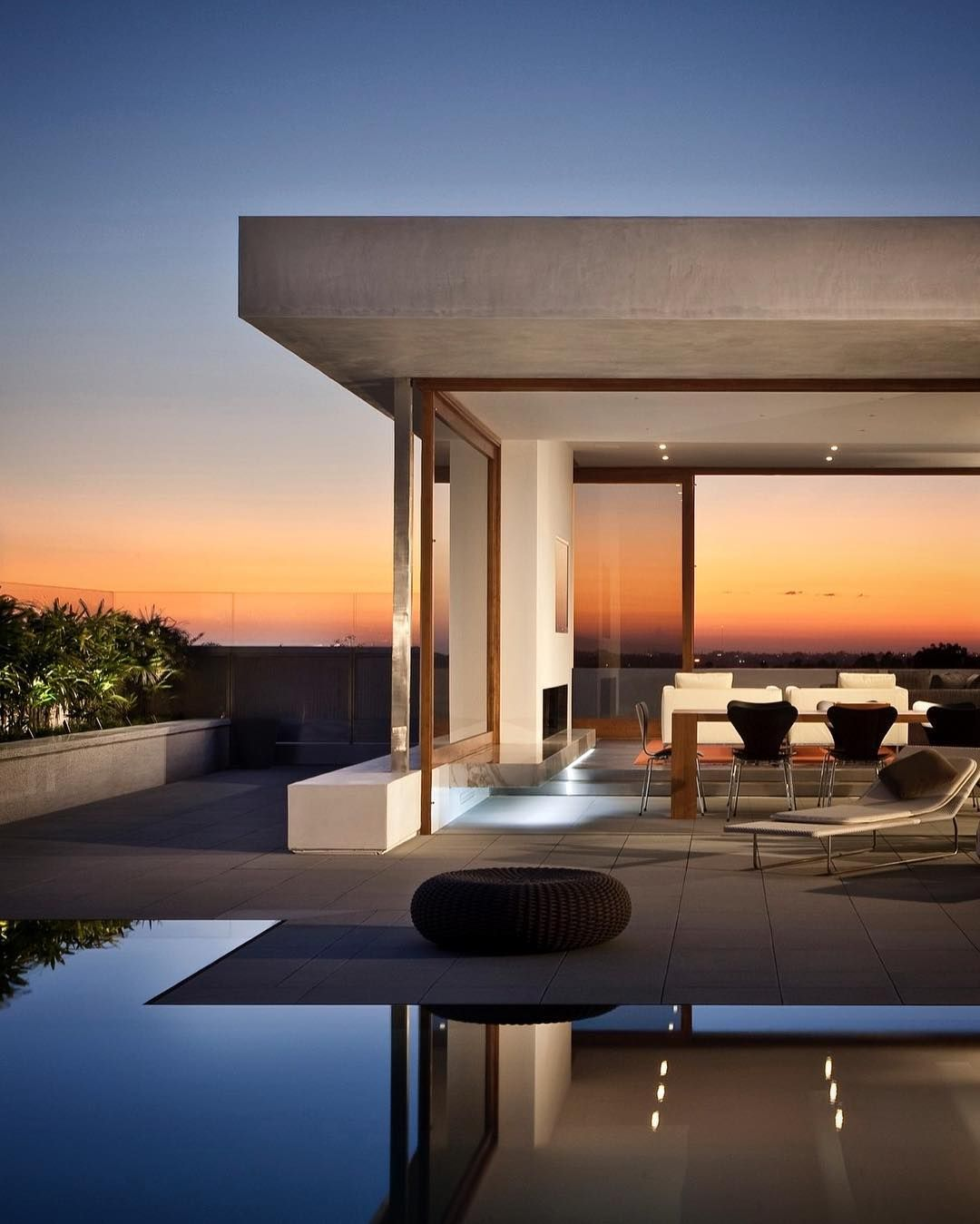 Gorgeous sunset view from Cormarc Residence in Corona del Mar California by Laidlaw Schultz Architects Photographer Larry Falke via architecture hunter- home, exterior, design