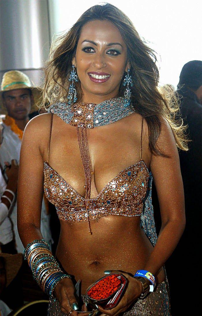 nude Cleavage Maggie Elizabeth Jones (85 pictures) Porno, YouTube, cleavage