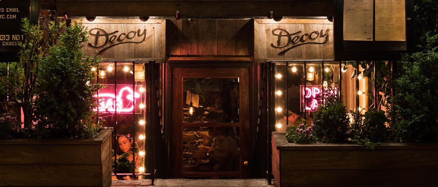 529 Hudson St Nyc Ny Restaurants Sisters Restaurant Decoy