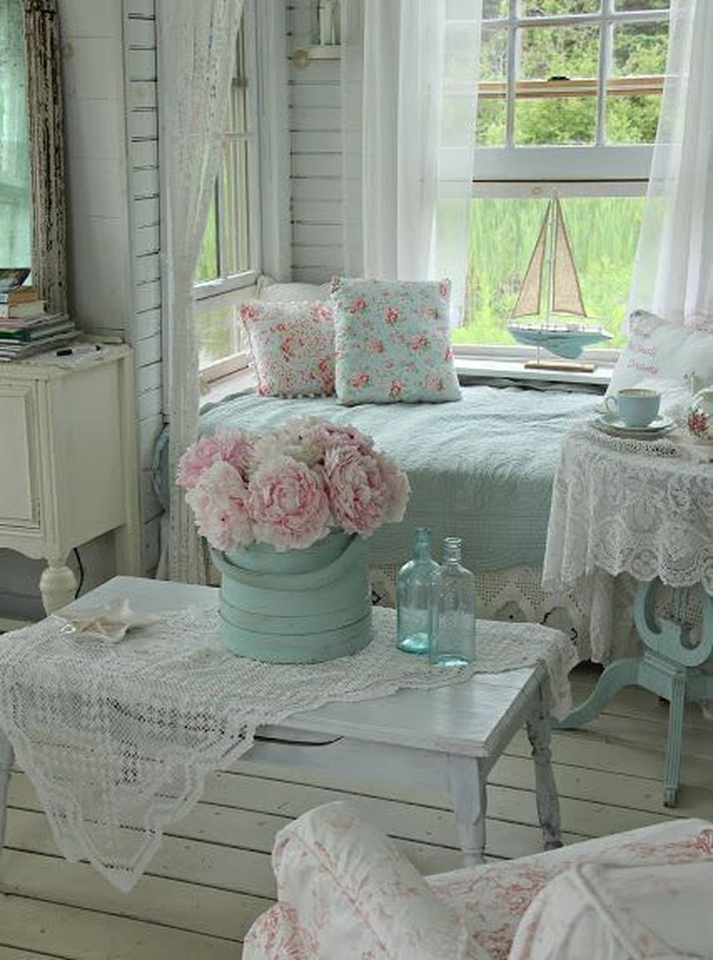 44 + Modern Shabby Chic Bedroom Ideas