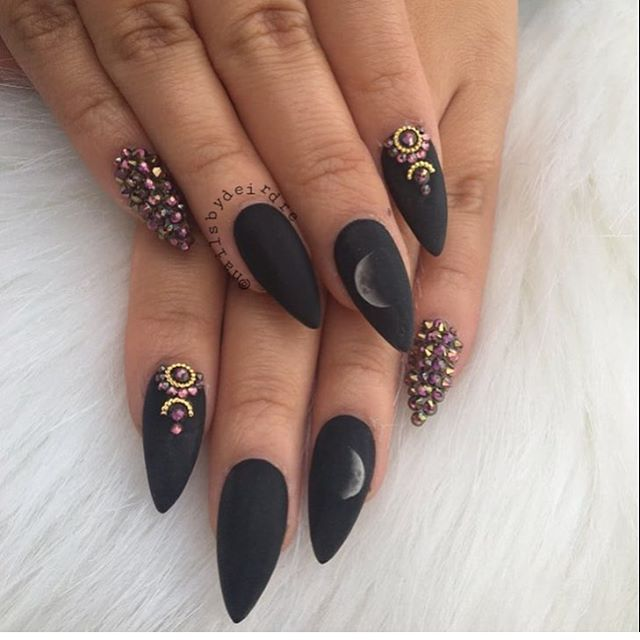 30 Fabulous Pointy Nail Designs To Try | Pointy nails, Black and ...