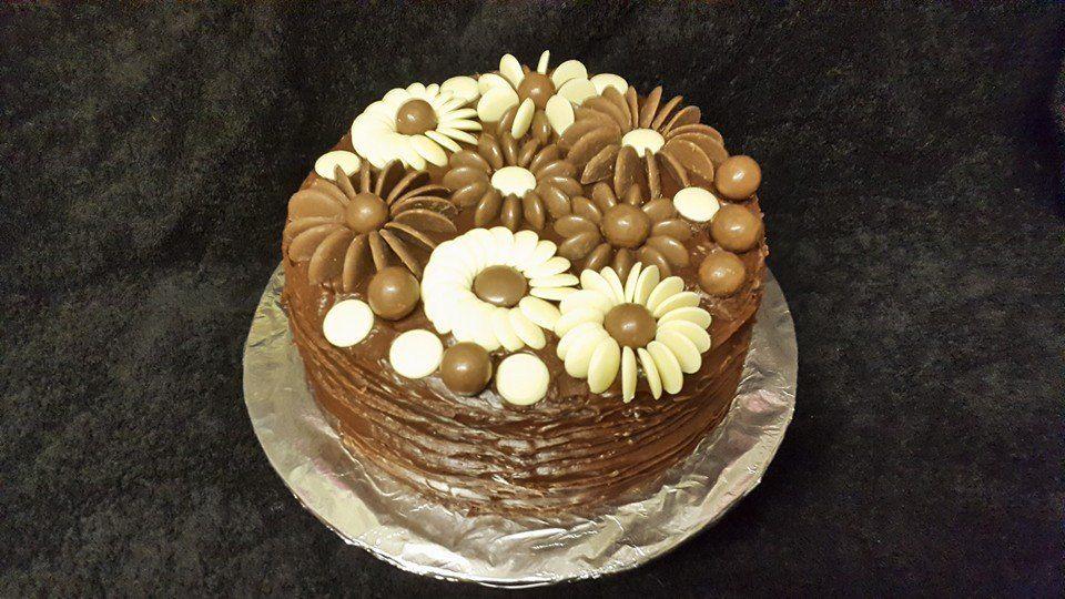 chocolate button  flower cake
