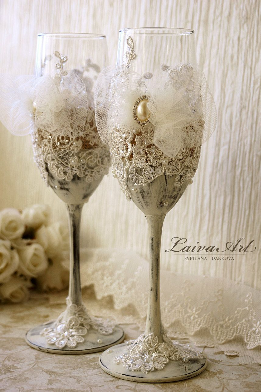 Rustic Wedding Glasses Champagne Flutes Wedding Champagne Etsy Wedding Champagne Glasses Rustic Wedding Glasses Wedding Champagne Flutes