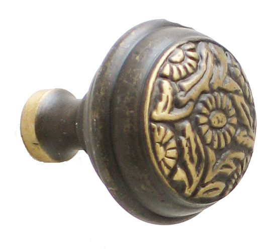 9 Daisy Large Knob, Antique Brass Has matching