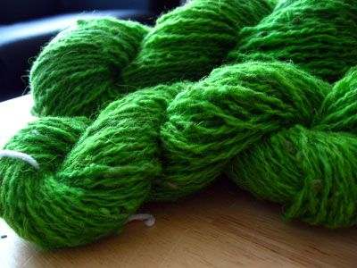 How to dye yarn with Wilton food coloring. Microwave works ...