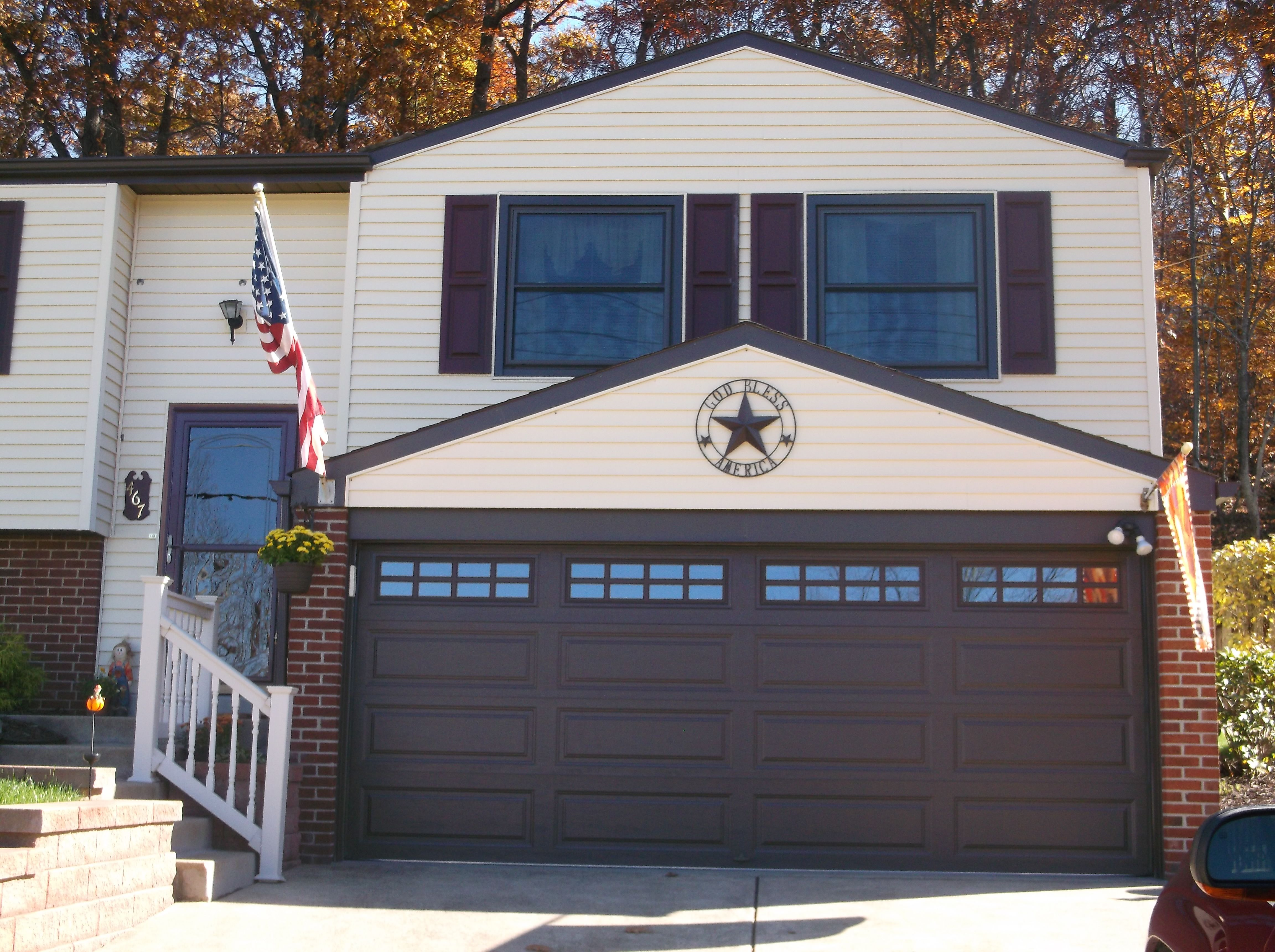 Clopay 9133 Garage Door Adds Character To Any Home Clopay Garage