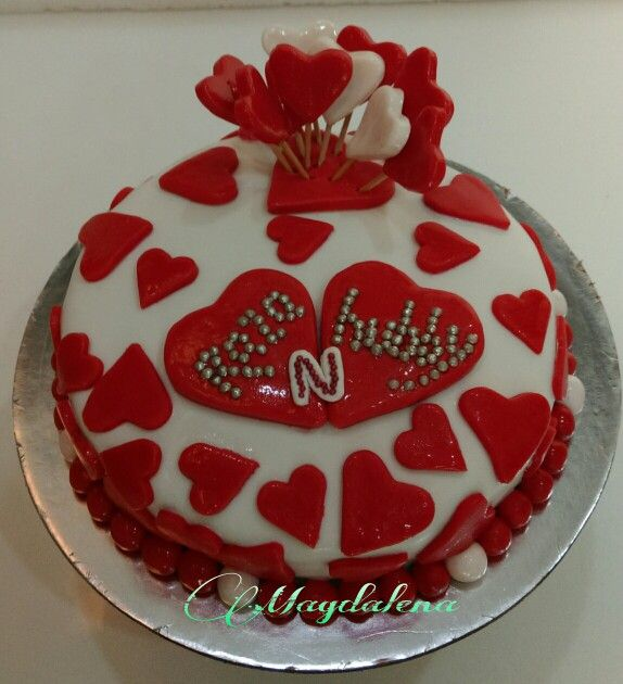 Cake with heart filling of yummy Ganache  www.magdalenacupcakes.com