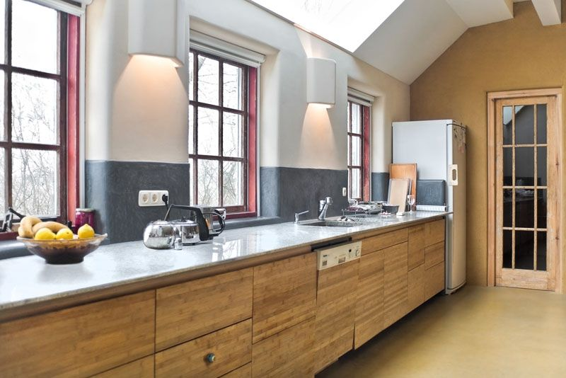 Keuken Zweeds Design : Grijze tadelakt als spatwand in de keuken floris