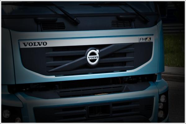 Volvo Trucks Logo Volvo Logo Pinterest Volvo Logos And Car Brands
