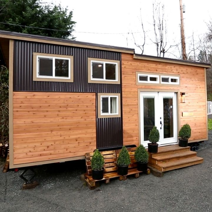 Middle School Couple Nick And Vickie Decide To Go Tiny To Have A Personalized Home To Call Their Own Ch Tiny House Exterior Tiny House Nation Tiny House Towns